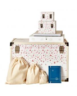 Ce cadeau contient : malle, coffrets, pochons, album, casier et journal.