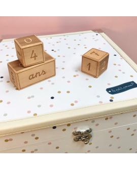 Mieux que des cartes étape : les cubes décoratifs
