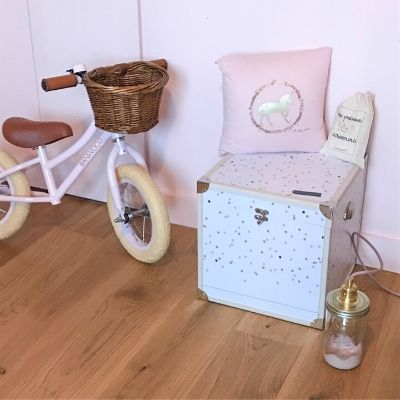 La nouvelle bébéothèque Capucine, le cube décoratif et pratique pour garder ses souvenirs d'enfance