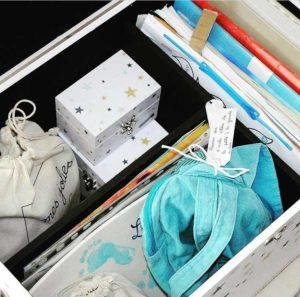 Où ranger ses premiers cahiers d'école et cartable - dans sa bébéothèque Le Petit Pousse
