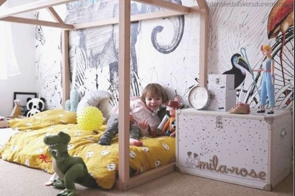 Indispensable-deco-bebe-le-papier-peint-fresque-animale